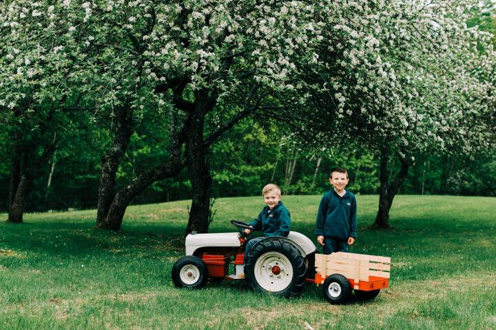 maine family photographer, apple blossom photographers, family photographers in maine, maine photographer, maine tinker photography-2-3