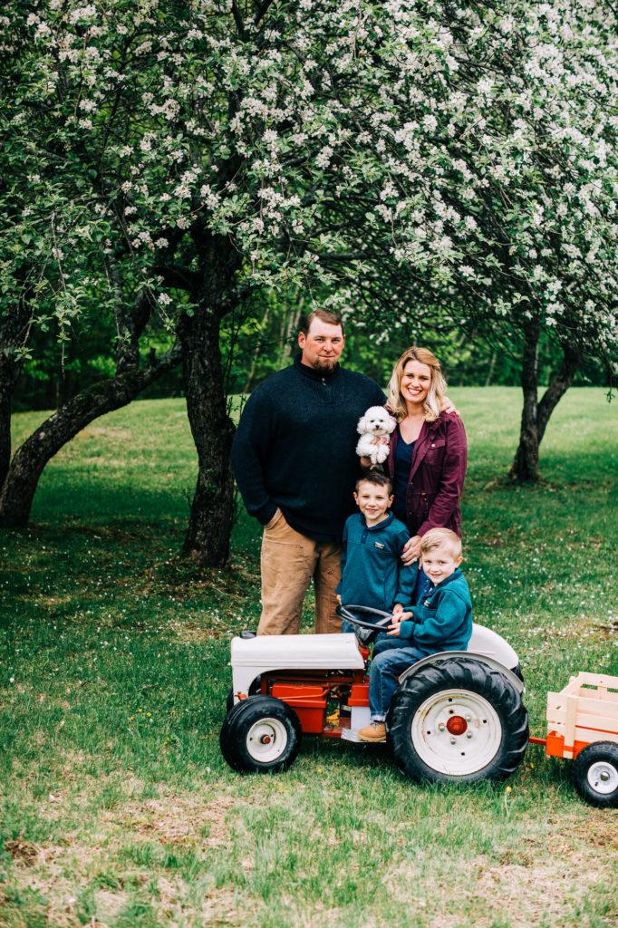 maine family photographer, apple blossom photographers, family photographers in maine, maine photographer, maine tinker photography